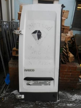 "IVECO HIGH TOP N/S REAR DOOR (77"") 2001 - 2006 (#159)"